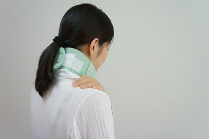 むち打ちは頭痛やめまい等の不調を招くことがあります