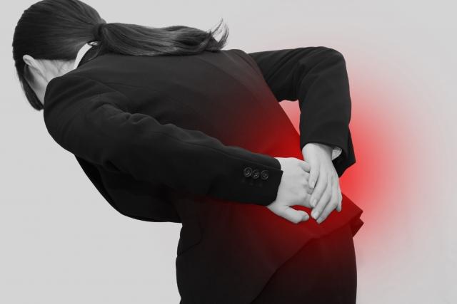 身体の歪みや姿勢の悪さも腰痛の原因になります
