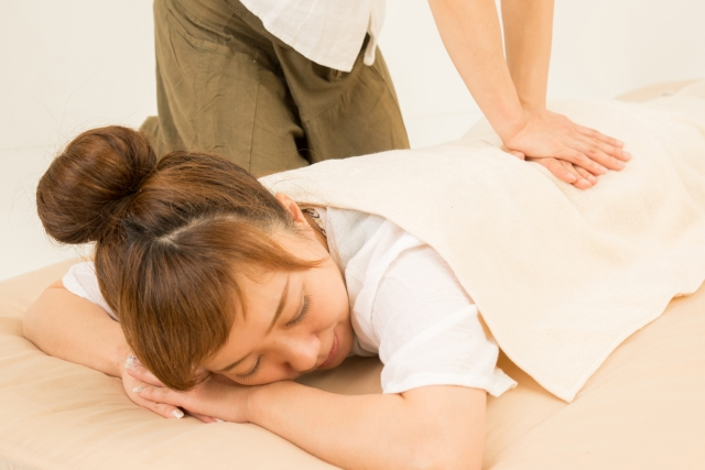 優しい施術で全身を整え症状の原因から改善します
