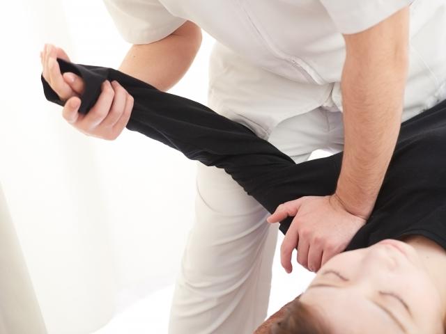 姿勢や肩の関節を整える施術で根本原因から改善します